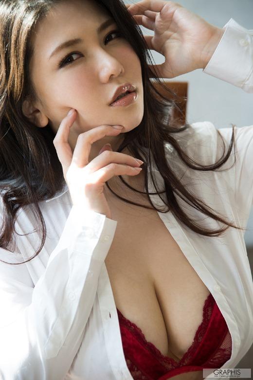 沖田杏梨 26