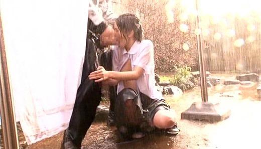 着衣で濡れる女 185