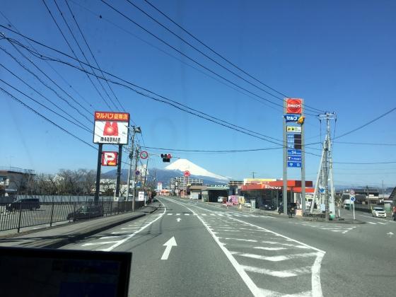 御殿場アウトレットへ富士山