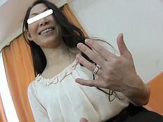 【無】Hがご無沙汰過ぎて満面の笑顔で中出しハメ撮りにやって来たアラフィフ妻♪森崎弓子||