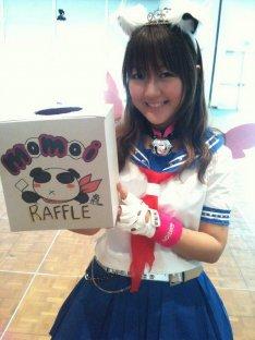 news_thumb_momoi_FanimeCon_02.jpg