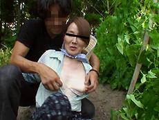 【無修正】【中出し】働く地方のお母さん ~農業を営む未亡人 前編~ 西岡紗希