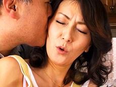 熟女ストレート :義父や息子と関係を持つ母。 沢近由紀美