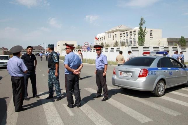 キルギス 中国大使館爆発
