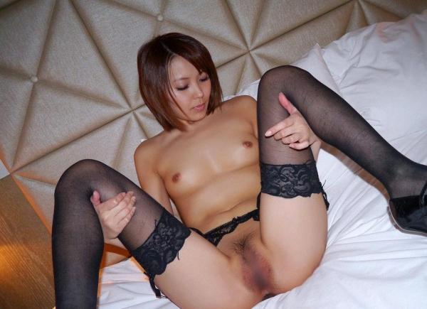 M字開脚画像004