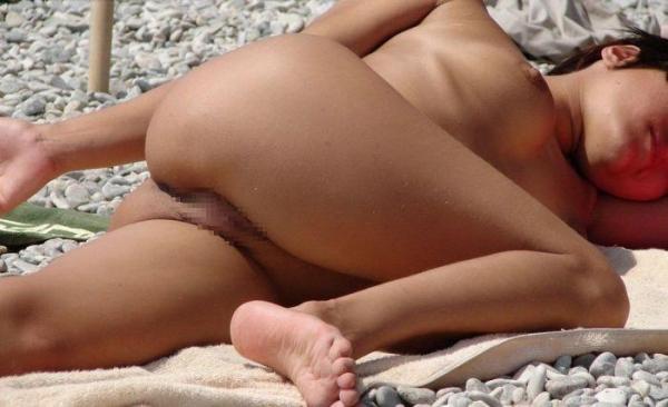 ヌーディストビーチ画像