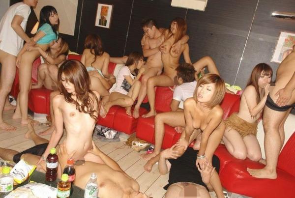 乱交パーティー画像 1