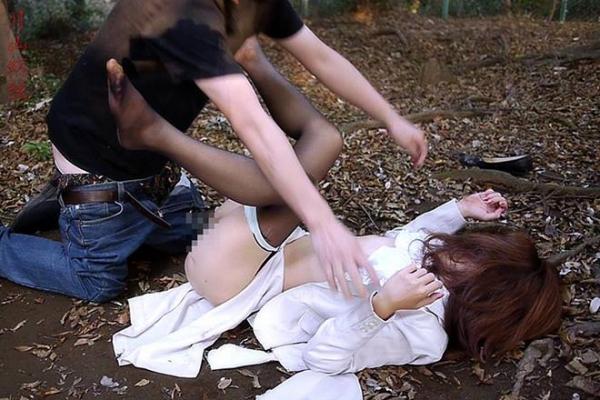 強姦レイプ画像 18