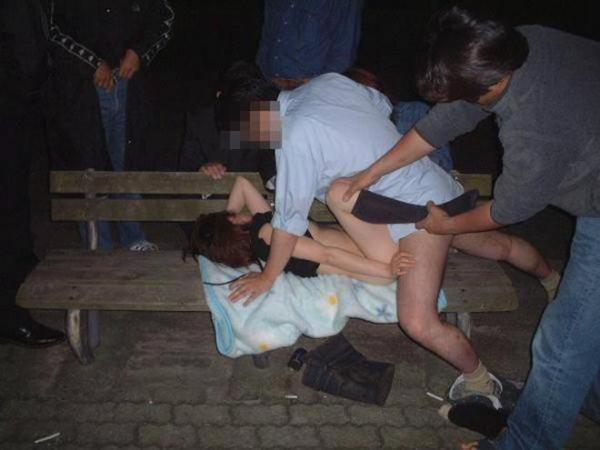 強姦レイプ画像 28