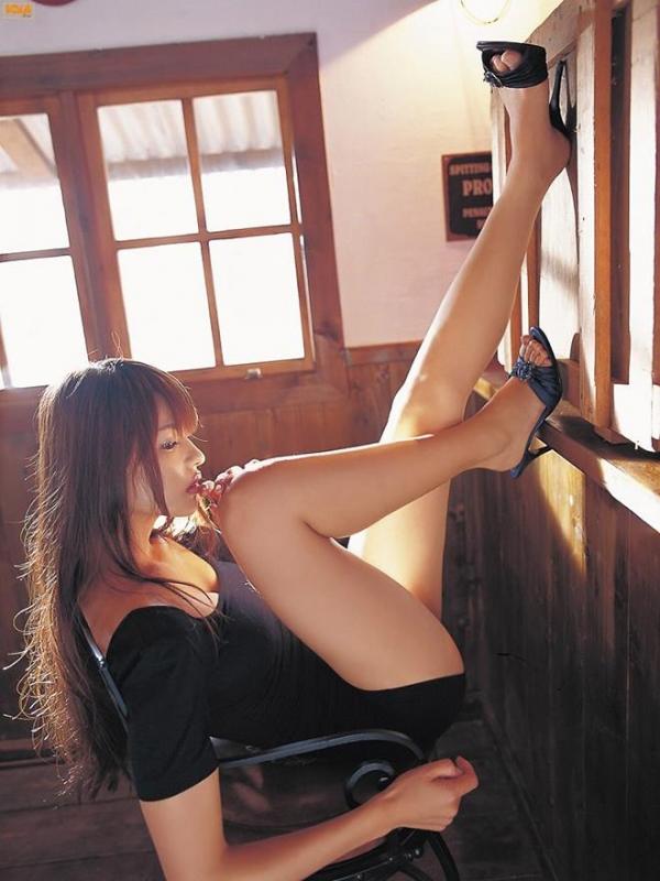 生足で魅せるハイヒール画像 23