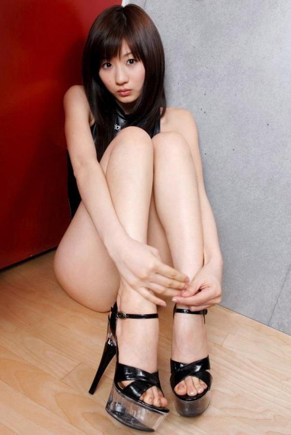 生足で魅せるハイヒール画像 25