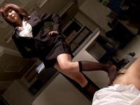 OLの顔面騎乗強制クンニと黒ソックス踏みつけ&足コキで大量射精するM男