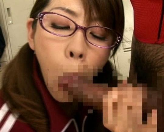 スケベな熟女教師が蒸れた黒パンストの爪先で生徒を誘惑の脚フェチDVD画像5