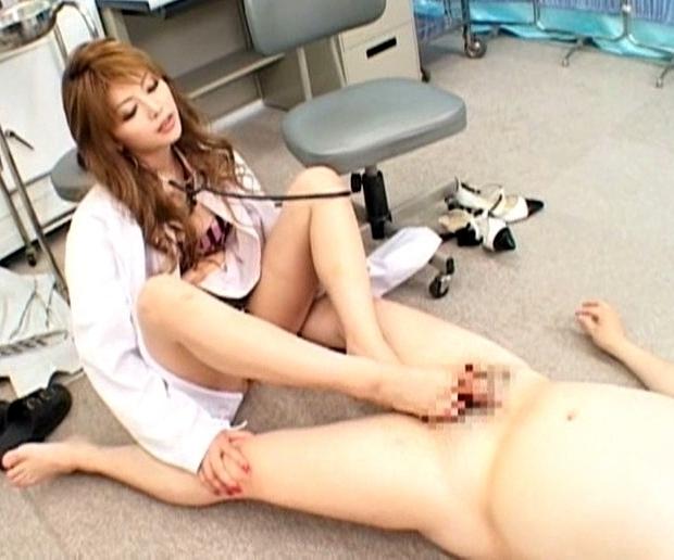足フェチ用!豪華女優達のパンストや素足の足裏で足コキ抜き特集の脚フェチDVD画像3