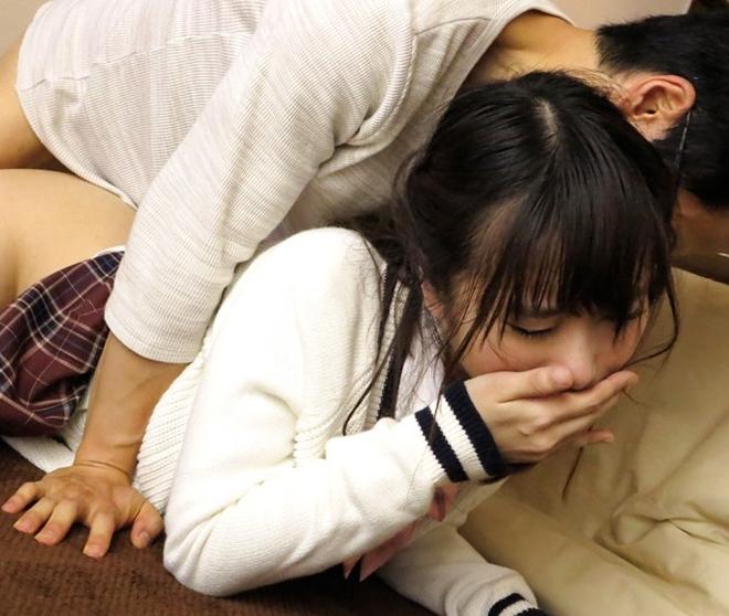 女子校生にコタツの中でイタズラしたら足コキとセックスに発展の脚フェチDVD画像6