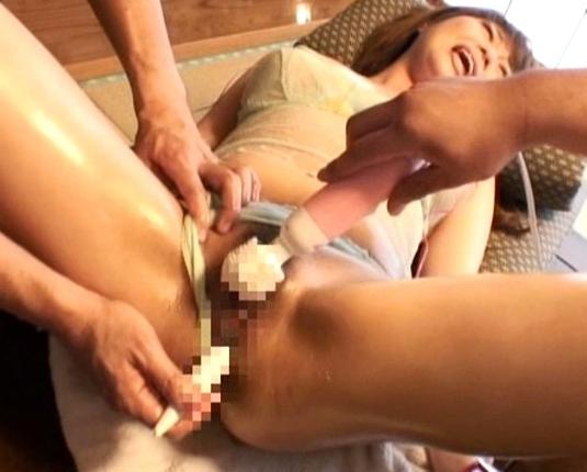 色気ムンムンな巨乳妻がエロテクな生足コキやパンスト着衣SEXの脚フェチDVD画像3