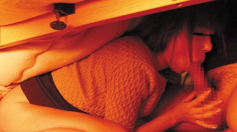 福引で「こたつ」が当たったので部屋に置いてみたら「こたつ」が姉たちのたまり場に!の脚フェチDVD画像3