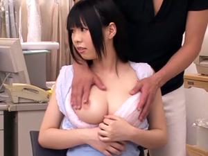 【星咲ひかる】バスト95cm天然KカップAKIBA系着エロアイドルがインタビュー中に人前でいきなりパイ揉みされ乳首に吸いつかれます!