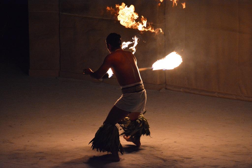 火を扱うパフォーマンス_1_12