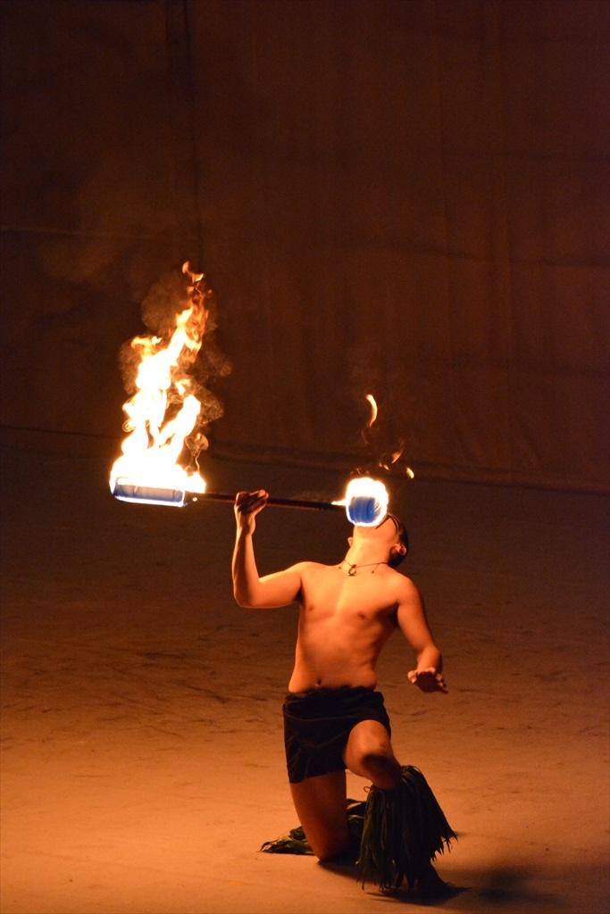 火を扱うパフォーマンス_2_5
