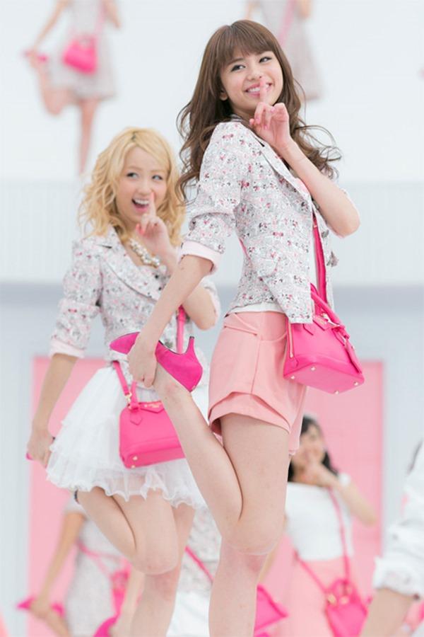 E-girls Ami(アミ)のパンチラ20