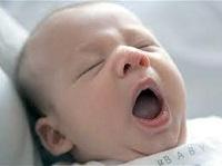 あくび赤ちゃん