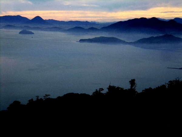 朝霧の詫間湾02