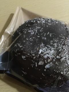 ローソン チョコ&ココナッツドーナツ