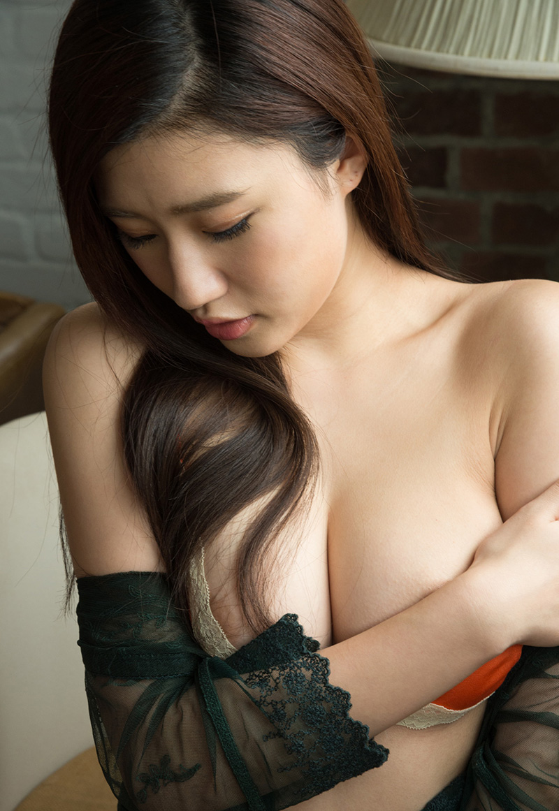 【No.27620】 手ブラ / 美竹すず