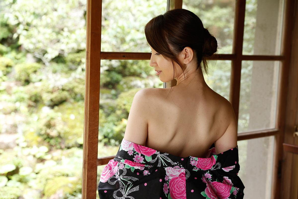 【No.27854】 見返り美人 / 葉山瞳