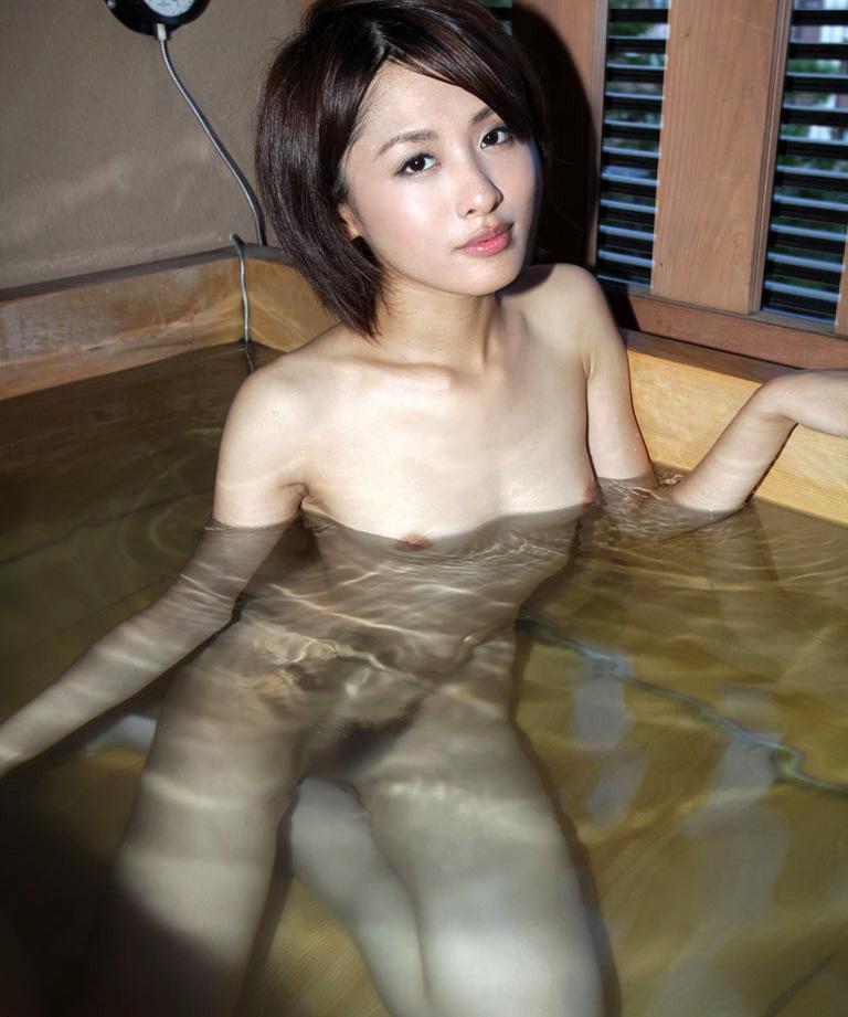 【No.28532】 入浴 / 夏目優希