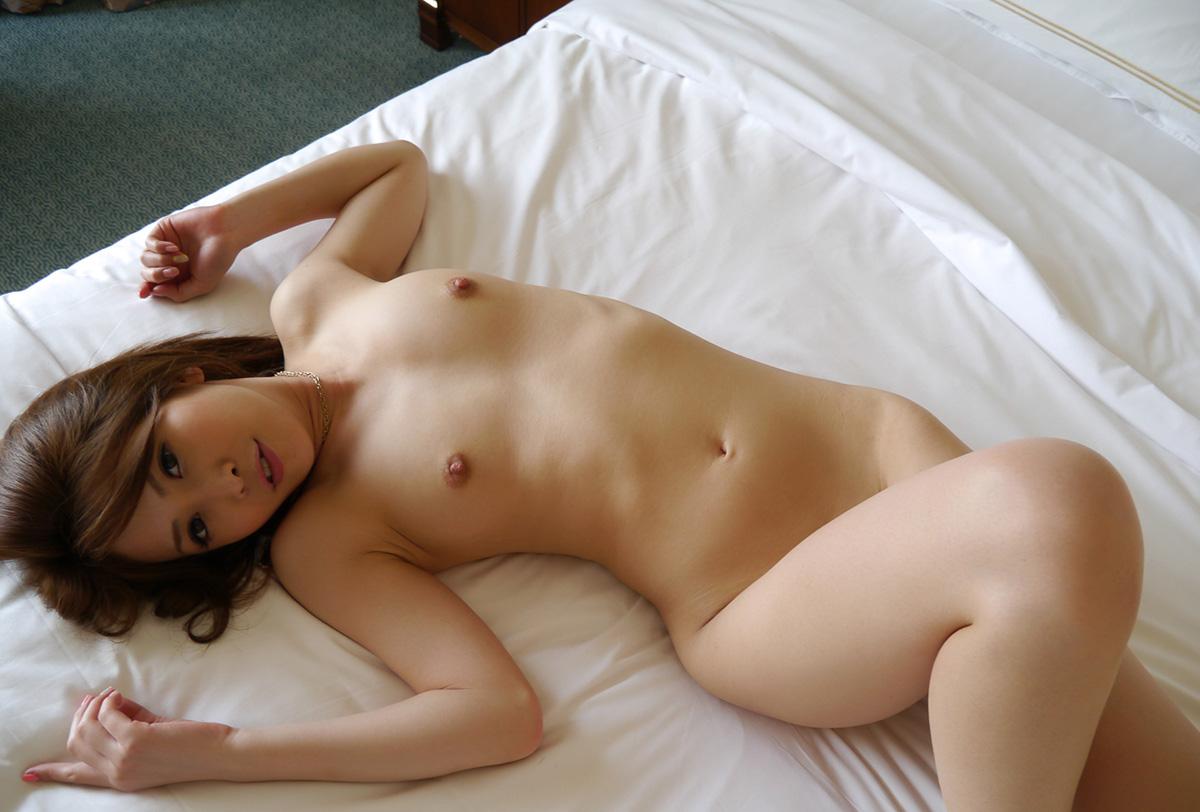 【No.29648】 Nude / 坂下えみり