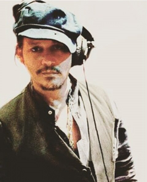 johnny-during-the-recording-session-of-last-oct-of-hollywood-vampires.jpg