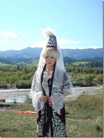 【世界の快道でイク!:番外・カザフスタン編】天空のシルクロードに花開く野生のチューリップたち16