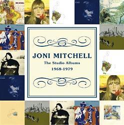 『ジョニ・ミッチェル』意識不明から外出するまでに回復