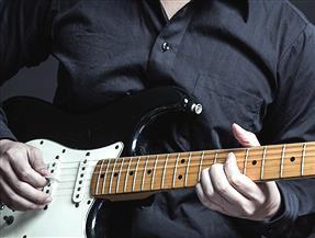 「ギターを始めたキッズ」が学ぶべきイージー・ギター・ソング TOP25!