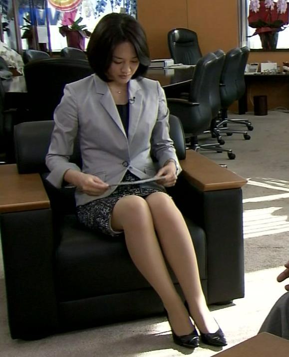鈴木奈穂子 ミニスカートキャプ・エロ画像2
