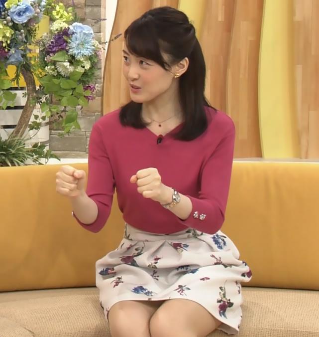 江崎史恵 NHKアナにしてはかなり攻めているミニスカキャプ画像(エロ・アイコラ画像)