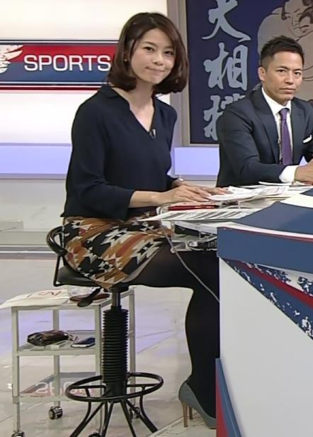 杉浦友紀 黒ストッキング