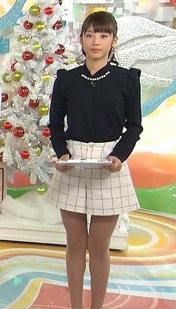 岡副麻希 いつも美脚太ももを見せてくれているキャプ画像(エロ・アイコラ画像)