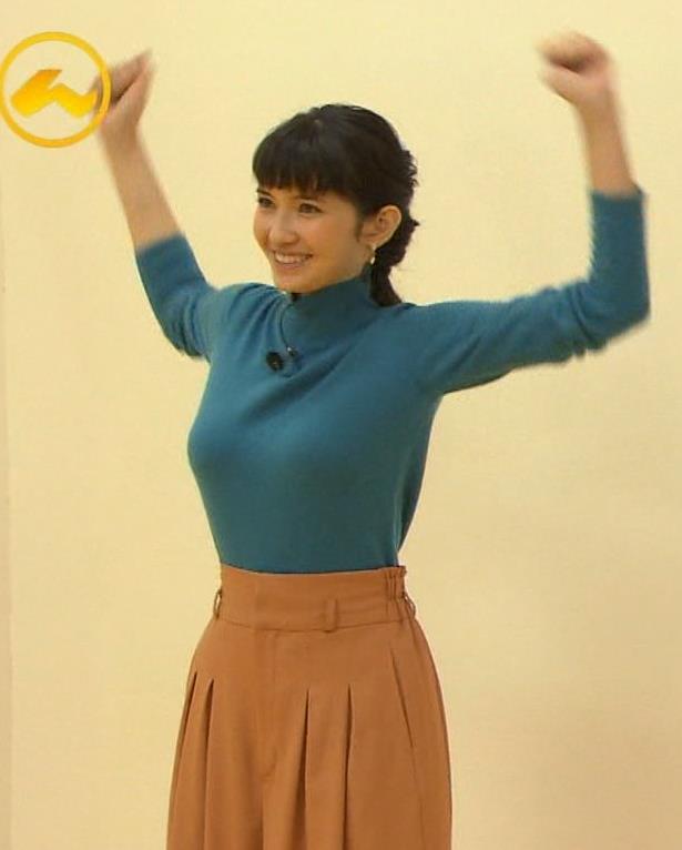 市川紗椰  巨乳はタイトな衣装を着るキャプ画像(エロ・アイコラ画像)