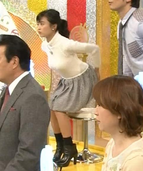 小島瑠璃子 おっぱいとお尻協調!!キャプ画像(エロ・アイコラ画像)