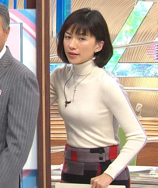 梅津弥英子 タイトな服のおっぱいがエロいキャプ画像(エロ・アイコラ画像)