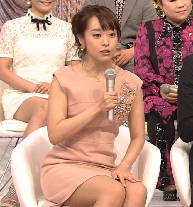 片山千恵子 巨乳アナだけどミニスカ太もも▼ゾーンも最高!