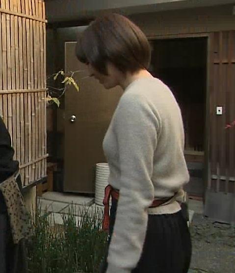 宇賀なつみ セーター横乳 (20160324)キャプ画像(エロ・アイコラ画像)