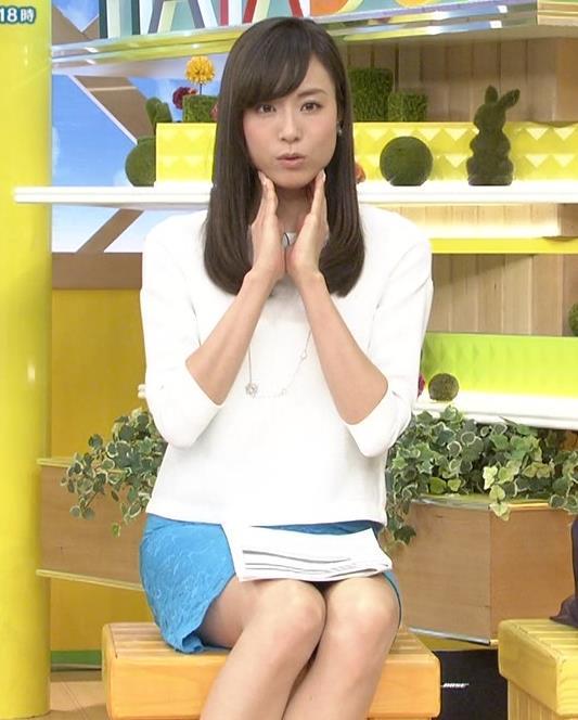 笹川友里 太ももがエロいミニスカのデルタゾーン生足キャプ画像(エロ・アイコラ画像)