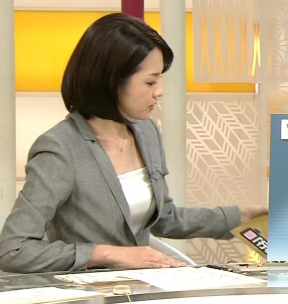 鈴木奈穂子 スーツの中がエロいNHKアナキャプ画像(エロ・アイコラ画像)
