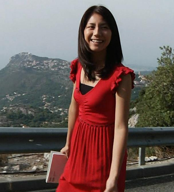 松下奈緒 赤いドレスのおっぱいがエロいキャプ画像(エロ・アイコラ画像)
