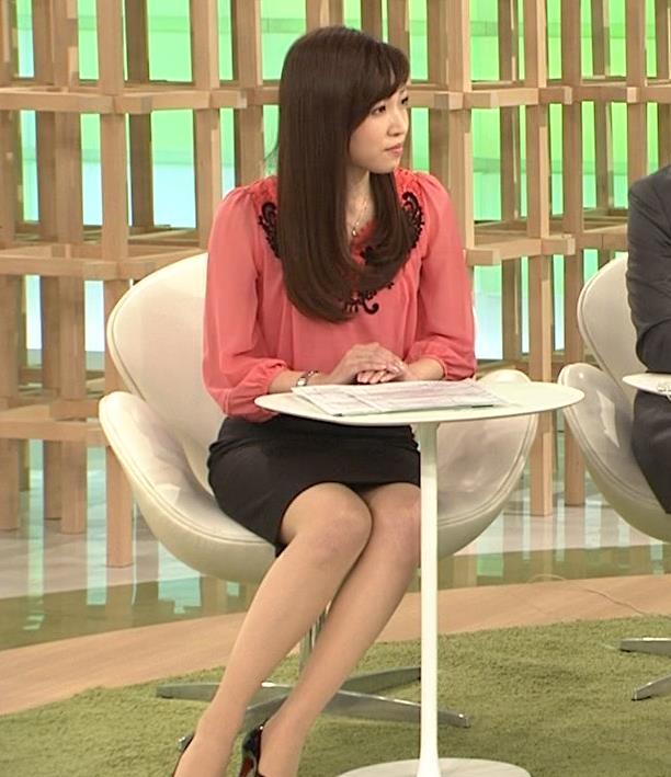 竹内優美 タイトなスカートのミニスカのデルタゾーンキャプ画像(エロ・アイコラ画像)