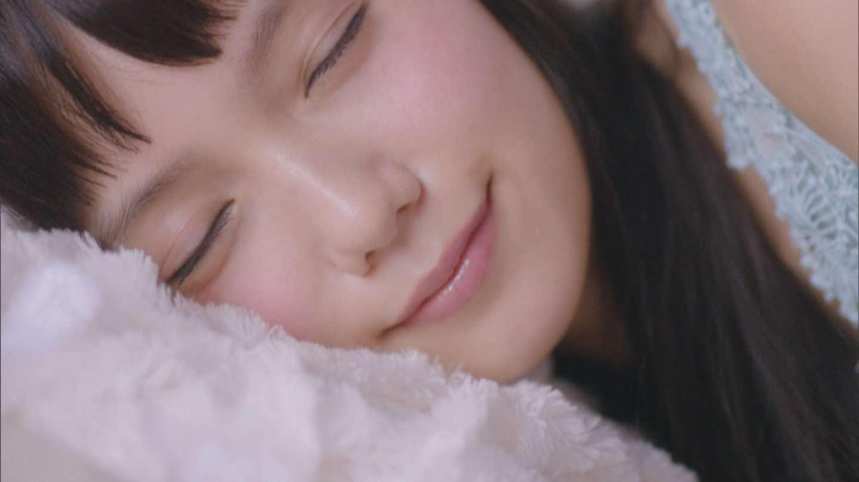 宮崎あおい 化粧品「SUGAO」のCMの寝顔がかわいかったキャプ画像(エロ・アイコラ画像)